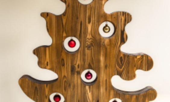 Holzchristbaum